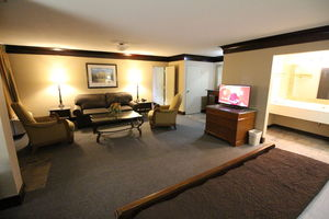 1 King Bed Large Suite Picture 3