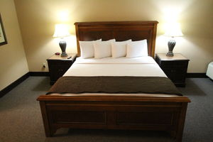 1 King Bed Large Suite Picture 4